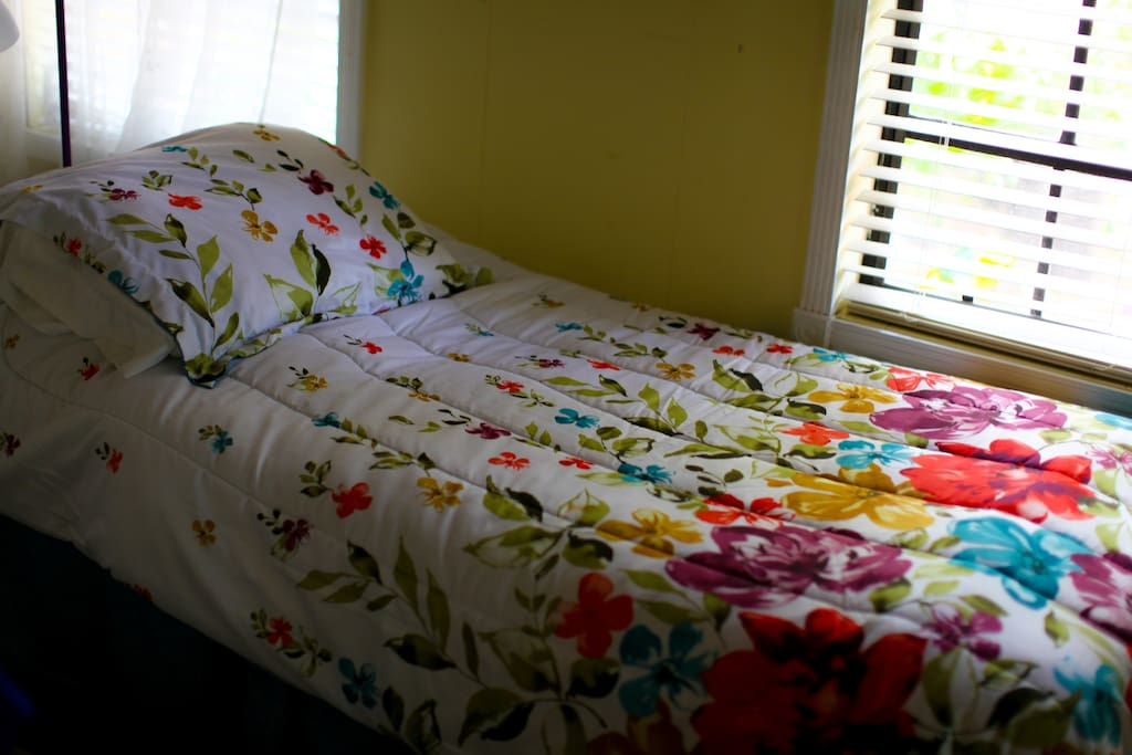 There are 2 confortable cozy twin beds that you are welcome to set up to your choosing. Either individual or separate.