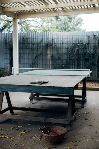 Vintage table tennis table as well as an assortment of  lawn games