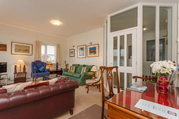 Waters Edge Apartment, 10 The Haven - Swanage - Daire