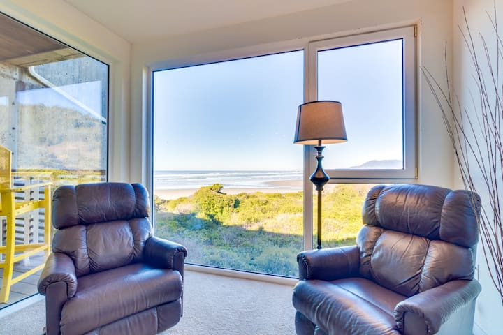Upscale, dog-friendly, oceanfront condo w/ shared hot tub - right on the beach!