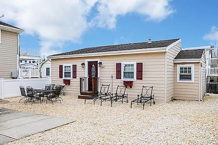 Park Cottage (2BR) - Seaside Park - 独立屋