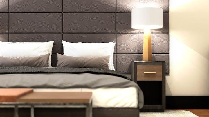Queen Deluxe with 2 Queen Beds, The Bee Hotel