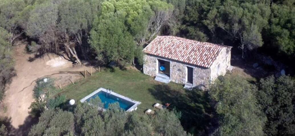 Bergerie avec piscine privée - Figari - House