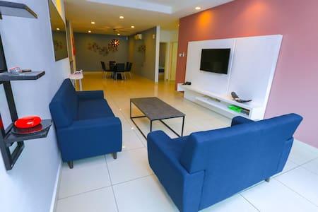 C6 Economy Room & Mont Kiara & Kiara 163 & MITEC