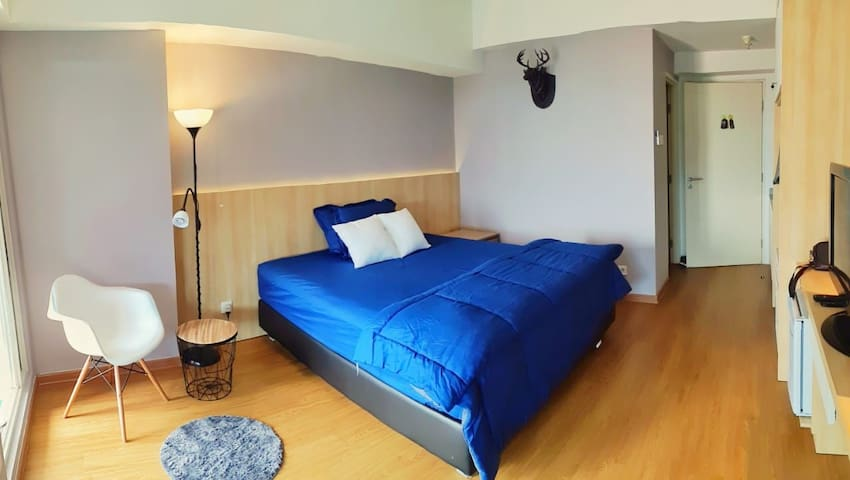 Cozy and Spacious Room, attached to Pakuwon Mall