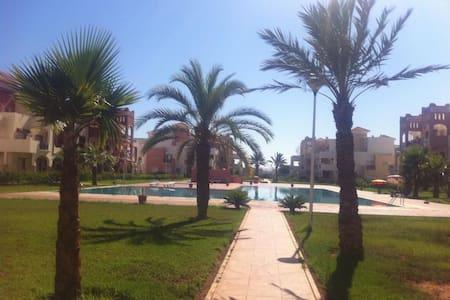 Bel Appartement, jardin, piscine et plage - Saïdia - 公寓