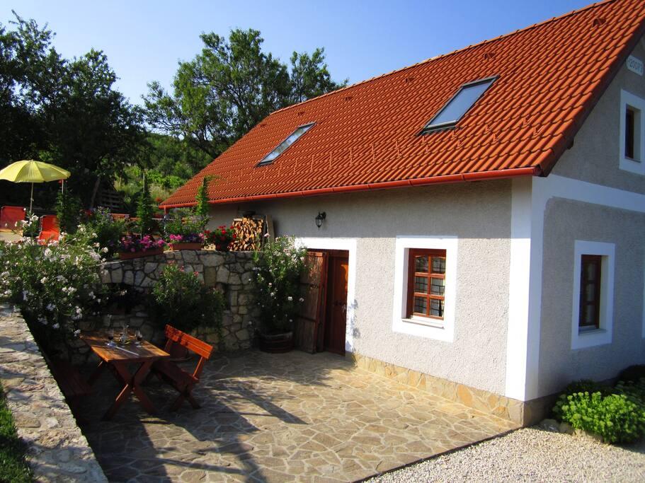 Ház a kerttel