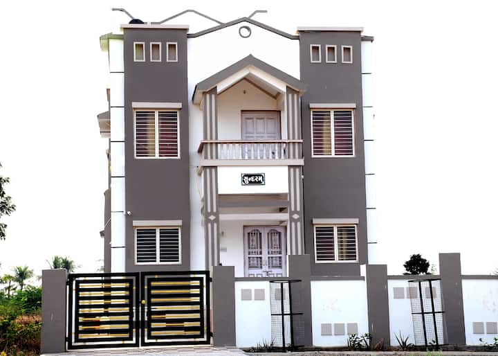"Shivam Sundaram Bunglows ""Holiday Homes"""
