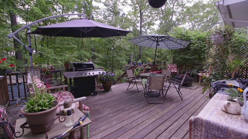 Maverick House Garden Studio Apartment