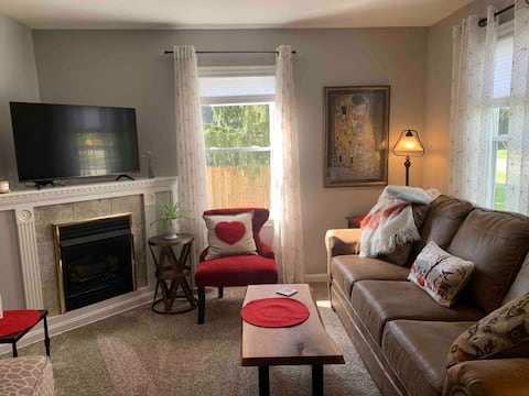 Charming 3-bedroom single home with parking