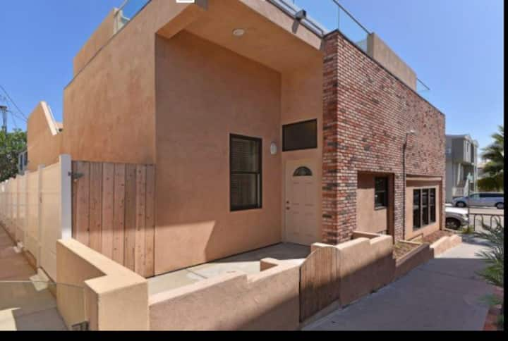 New!!! Mission/Pacific Beach Apartment.