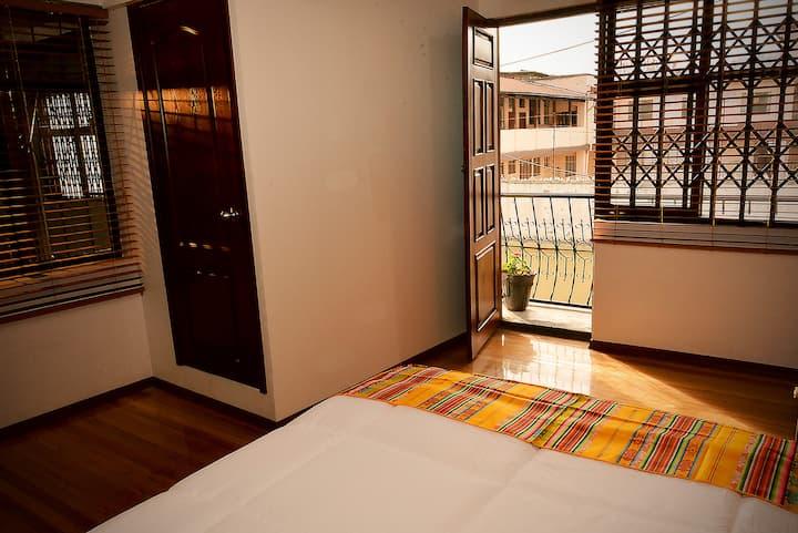 Premium Cozy Room w/ balcony and free breakfast
