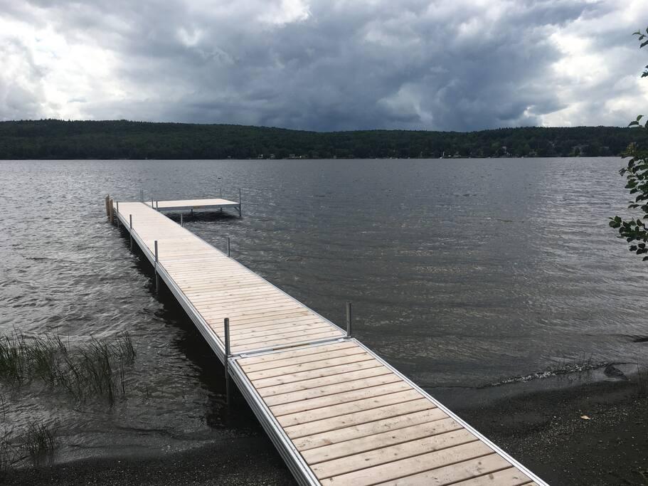 Quai sur le lac