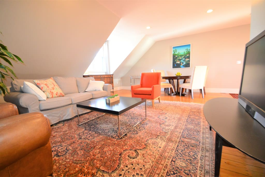 Huge Sunny 2 Bedroom Right On Beautiful Broadway Apartments For Rent In Providence Rhode