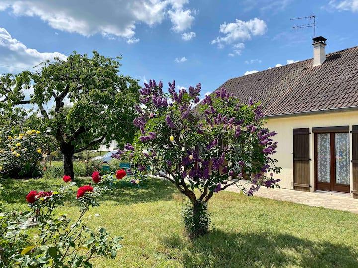 Maison avec grand jardin clos