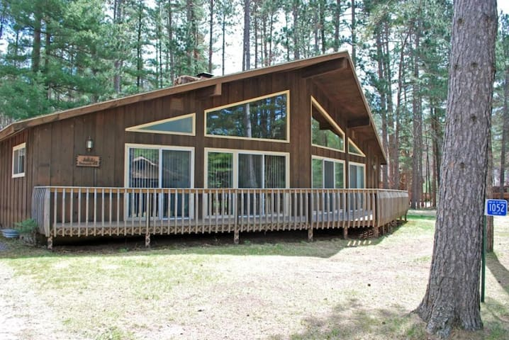 Deerpath - Elberts - Hiller Vacation Homes - Free WIFI
