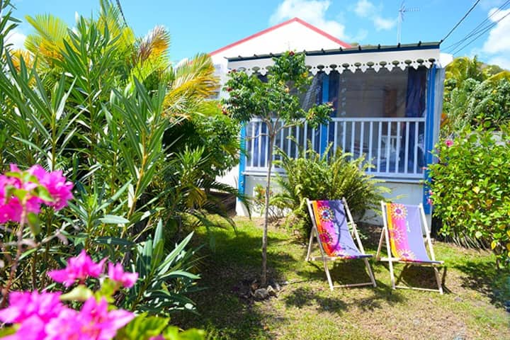charming cottage 500m from the beach