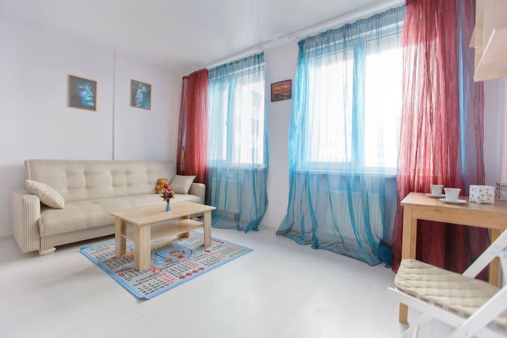 Евродвушка у гостиницы Прибалтийская на побережье