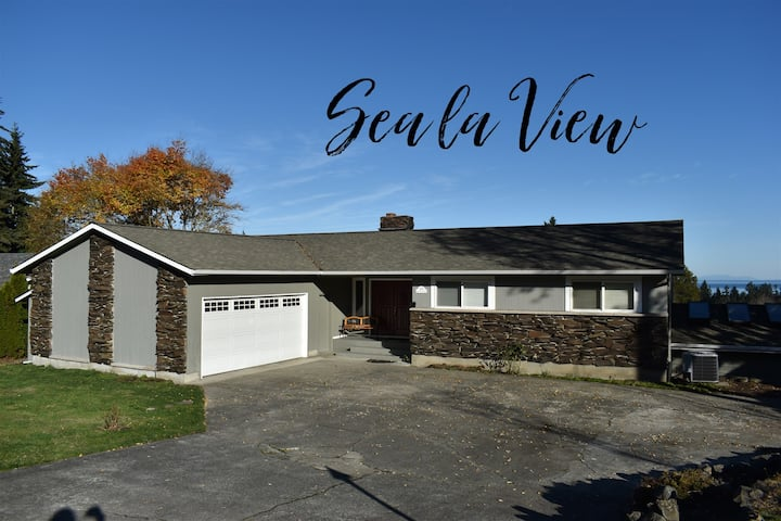 Sea la View! Newly Updated with Gorgeous Water View