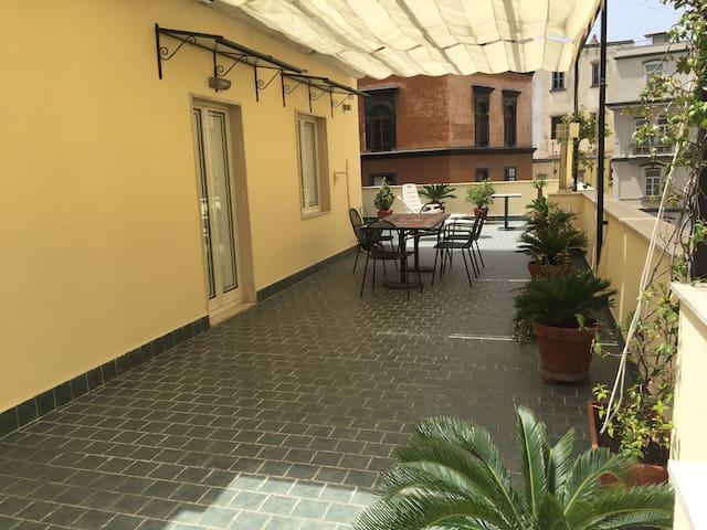 Penthouse in the Heart of Napoli - Nápoles - Apartamento
