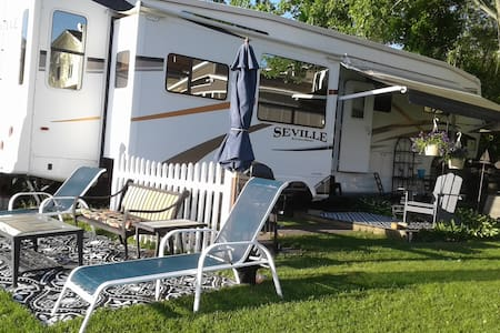 Saratoga Summer Lakeside Luxury RV