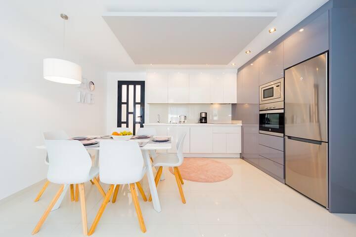 Luxuriöses Apartment nur 400 Meter vom Strand