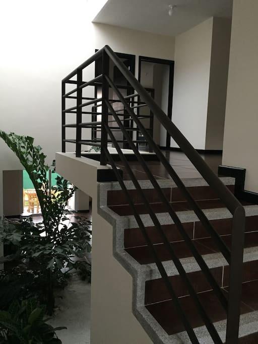 Casa amplía habitaciones amplias