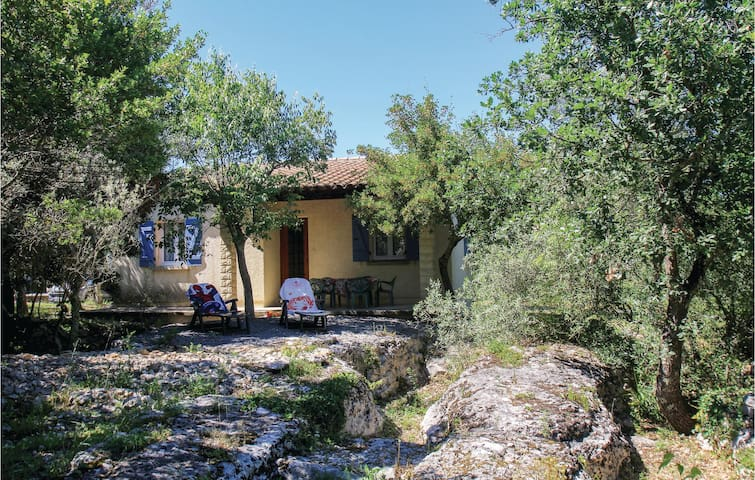 Holiday cottage with 2 bedrooms on 60m² in Labeaume