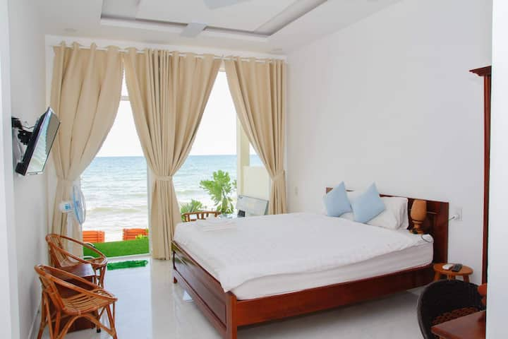 KD Beach House_ Live on the Beach_Sea view