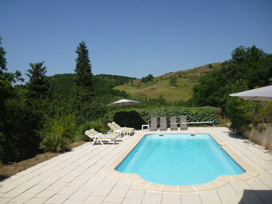 Large Pool 11m x 4.5m with sun terraces