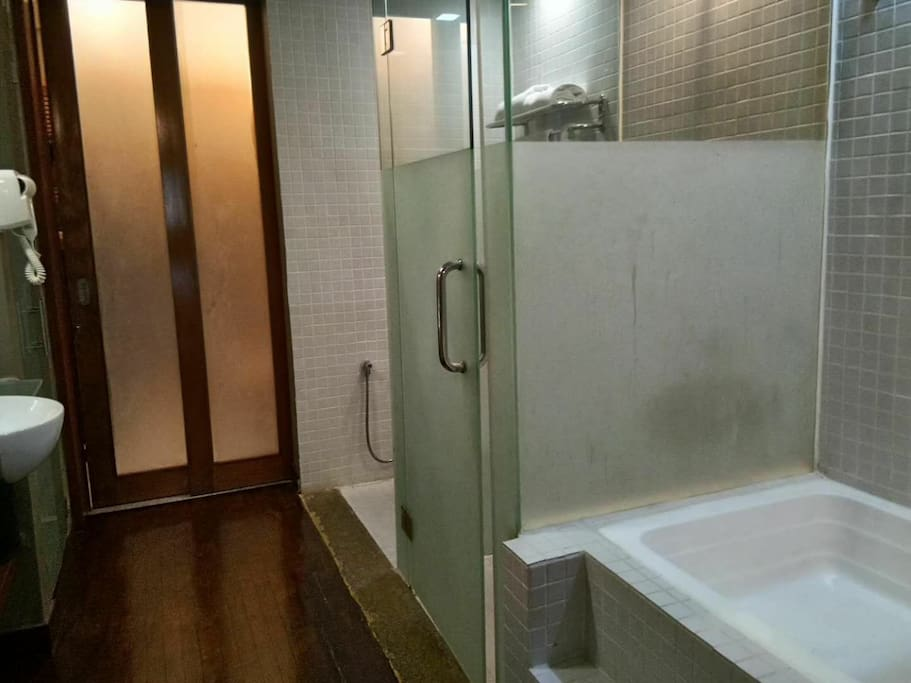 studio 厕所