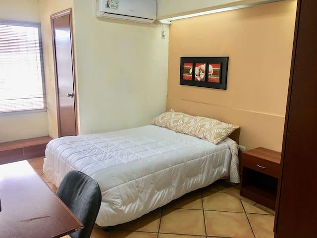 Confortable y linda habitación en Guayaquil