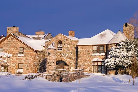 Spend Christmas in a Castle - Grafton
