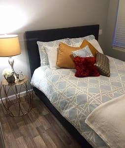 Modern Guest House in Brookside - Tulsa - Haus
