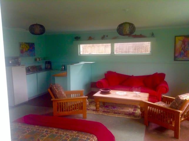 Raglan Sands Accomodation - Raglan - Casa de huéspedes