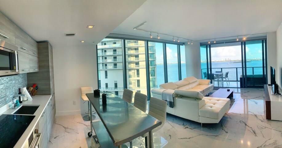 Waterview 2-Bedroom Corner Flat, Luxury Amenities