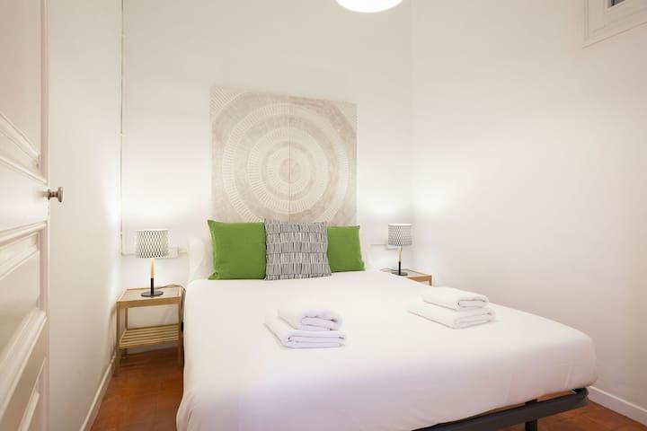 BARCELONA | SPACIOUS AND COMFORTABLE APARTMENT¦