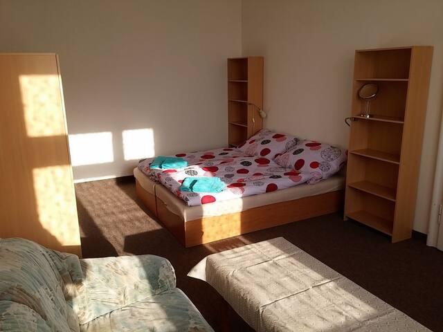 Sunny, spacious room, close to the city center.