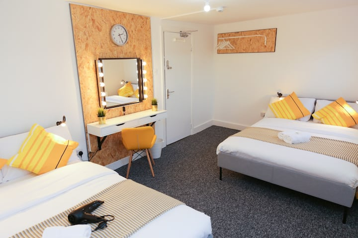 70% DISCOUNTED Superb Room Camden Town London