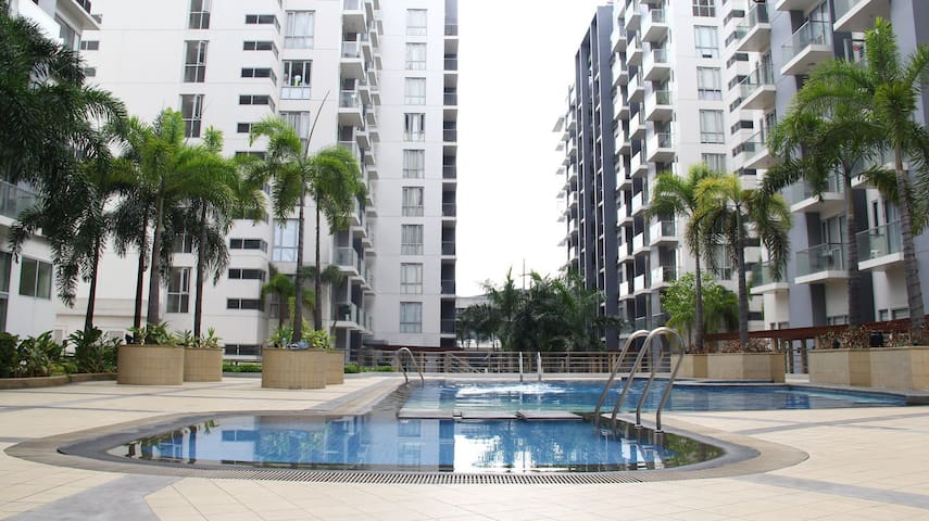 Studio +Parking at Palmtree  across Manila Airport