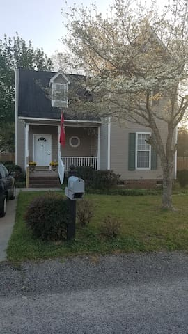 Cozy 3B/2B home - Lexington - Rumah