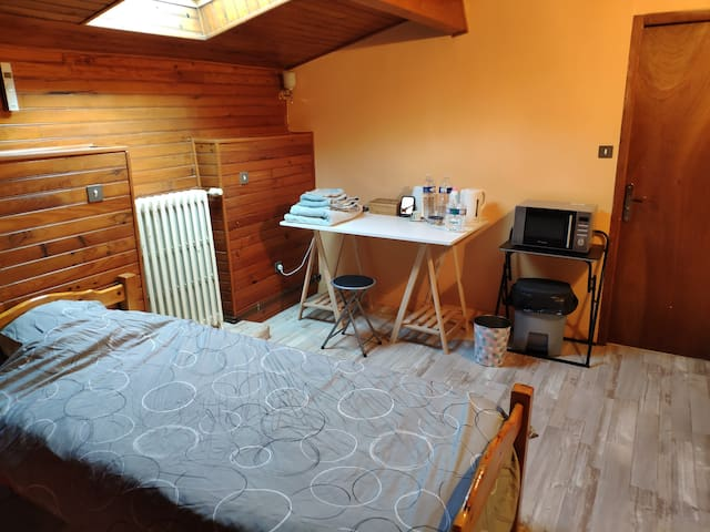 Petite chambre style chalet