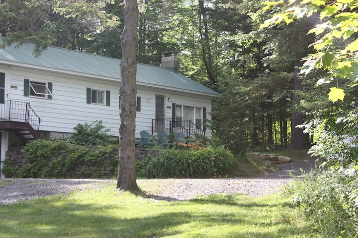 Pinewoods Cabin , Limited Lake access, sleeps 5