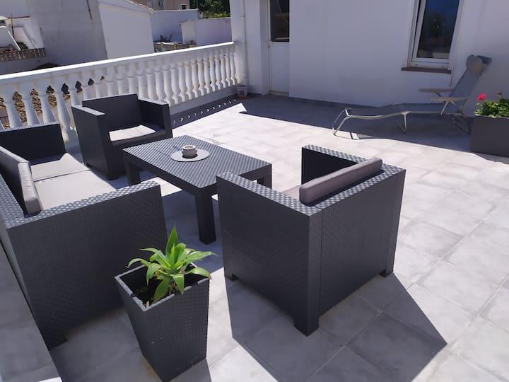 Habitación con acceso privado,  baño  y terraza