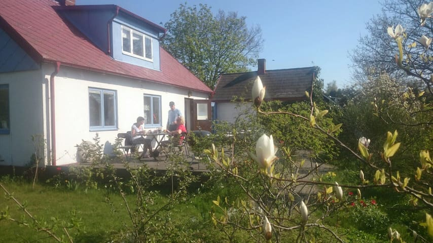 Beautiful farmhouse in cute village - Abbekås - Huis