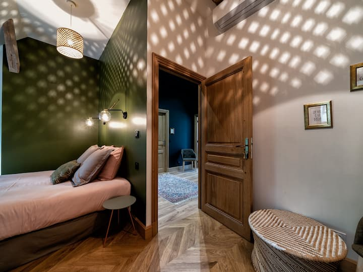 Double room-Superior-Ensuite with Bath-Park View-3