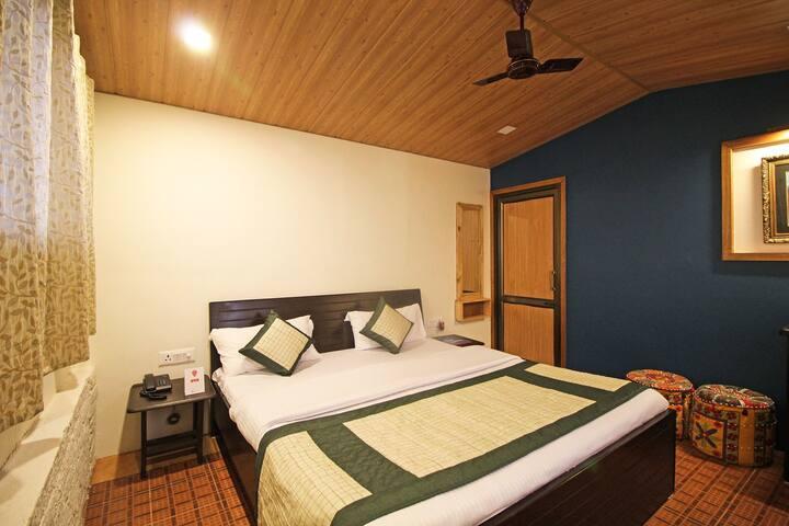 Luxury Homestay Jharipani Castle (Log Hut) - Mussoorie - Kofi