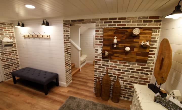 Luxurious Farmhouse Style Apartment w Heated Pool