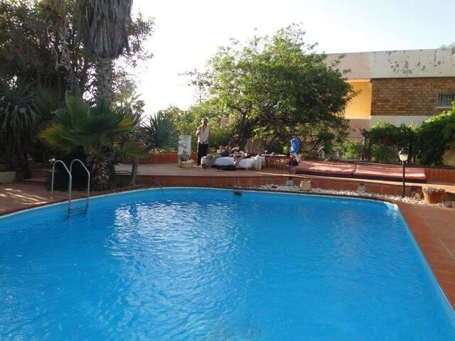 וילה ליאנה עם בריכה פרטית קיסריה  Villa Liana pool