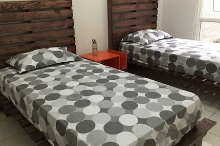 Pallet Style Room For 2 Garden View - Bandung